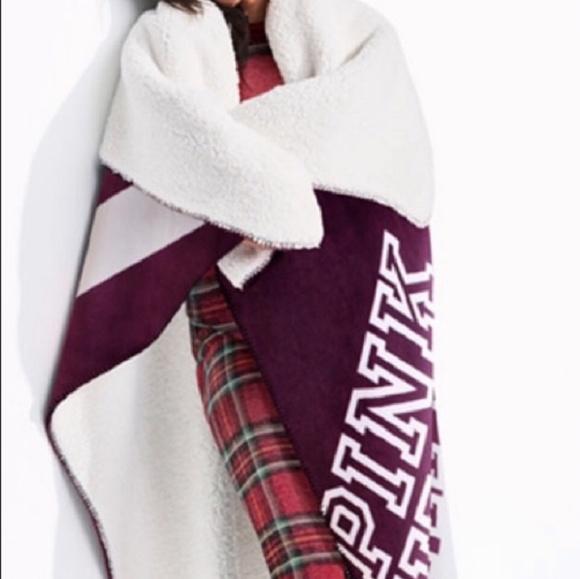 PINK Victoria's Secret Accessories - PINK Victoria's Secret Sherpa Blanket